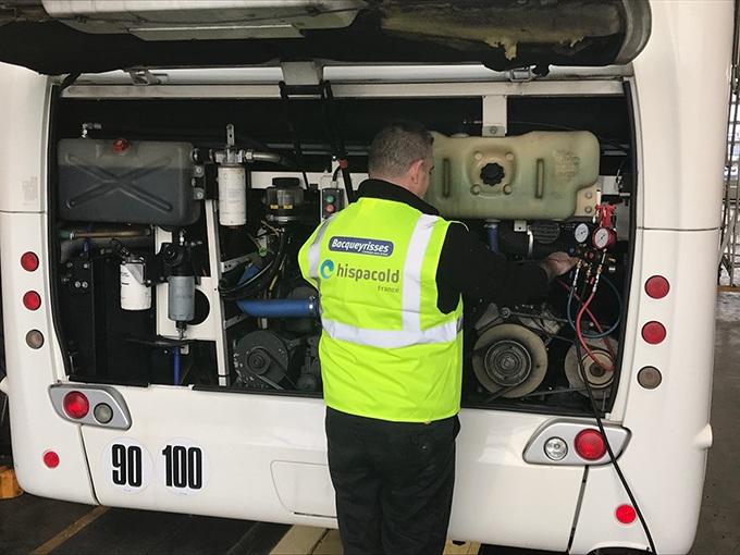 Réparation moteur bus